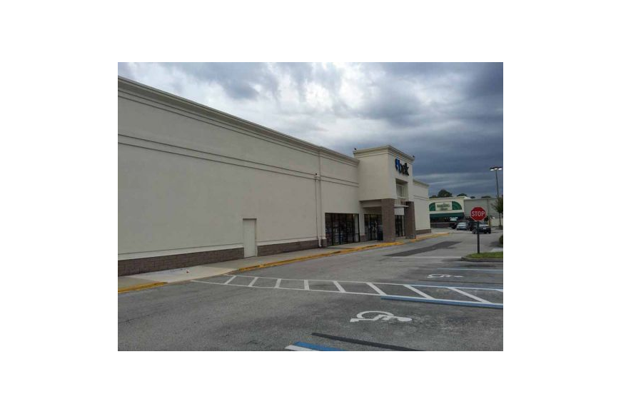 Plans show that the shuttered Belk store at the Roosevelt Square Mall will be torn down along with a nearby building now leased by Metro Diner and Chase Bank. A new shopping center will then be built at the site.