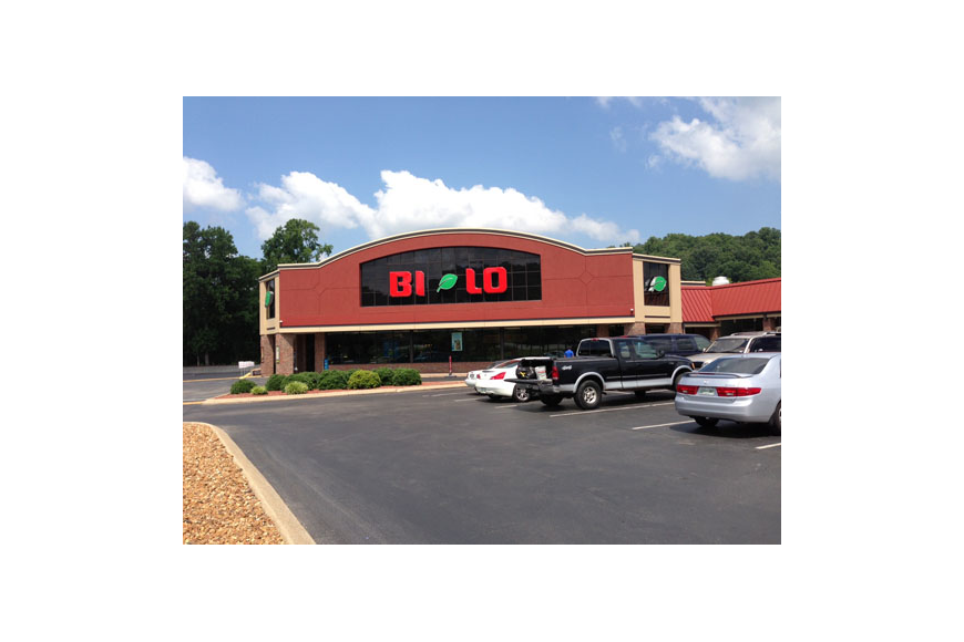 Bi-Lo Holdings LLC, which owns Winn-Dixie Stores Inc., is preparing an initial stock offering, according to the Reuters news service. Bi-Lo stores operate in North and South Carolina, Georgia and Tennessee, including this one in Chattanooga.